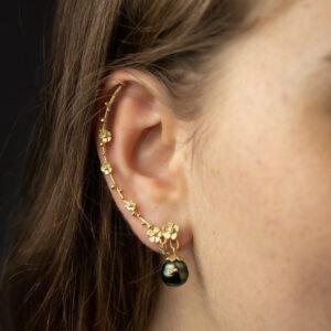 Ear climber with diamond beads